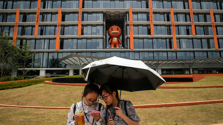 china-plans-to-turn-up-heat-in-crackdown-on-monopolies-after-opening-probe-into-online-giant-alibaba