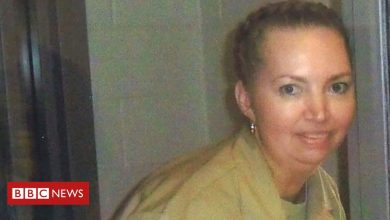 Photo of Lisa Montgomery: Judge halts execution of only woman on US death row