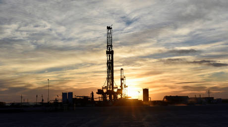 us-shale-could-be-the-biggest-winner-of-the-latest-opec-cuts