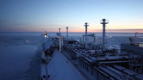 russia-plans-earliest-ever-shipment-of-arctic-lng-to-asia