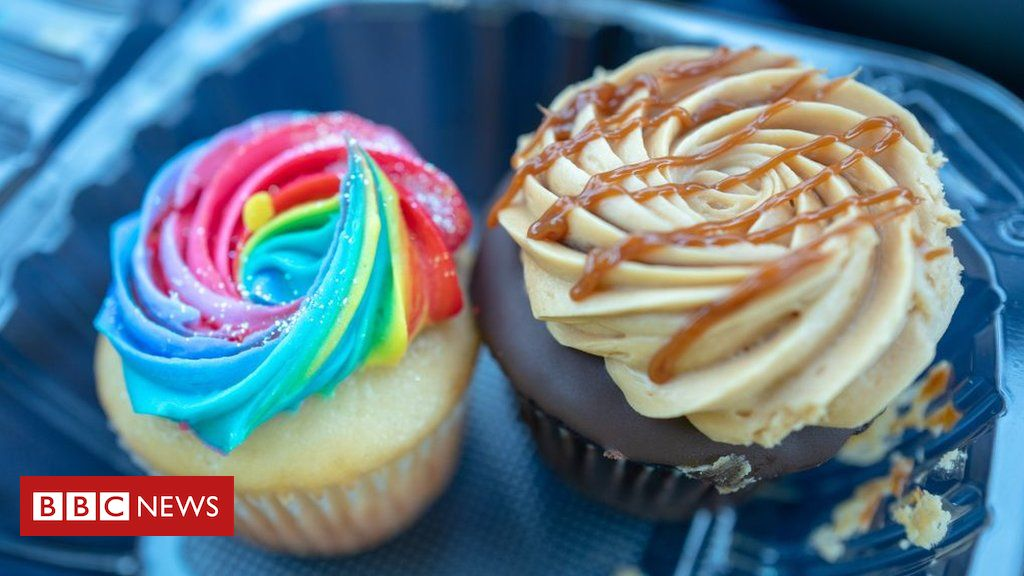 egyptian-woman-arrested-for-baking-'indecent'-cakes