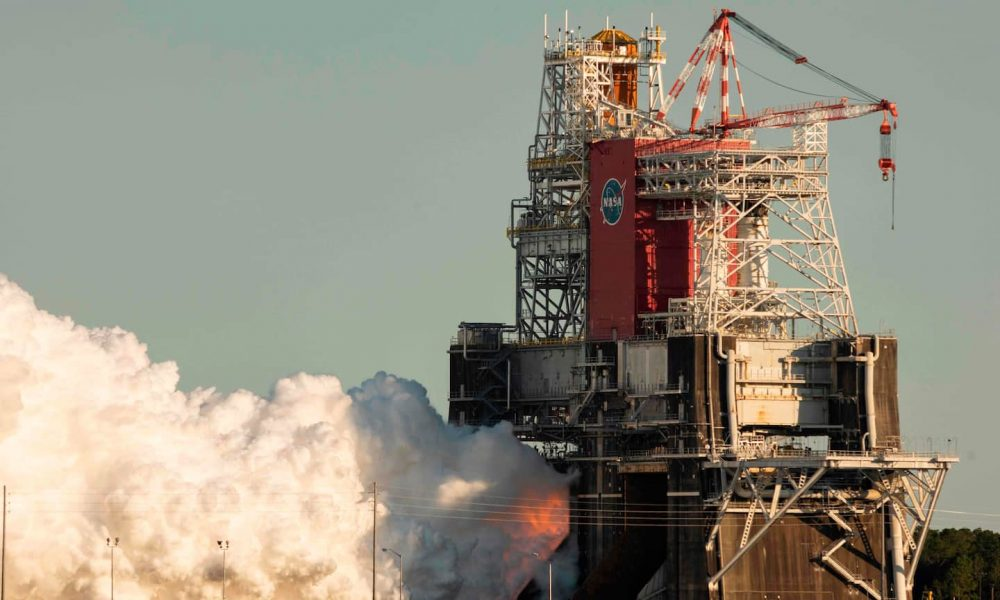 before-shortened-nasa-sls-rocket-engine-test,-officials-predicted-only-a-50-percent-chance-of-complete-success