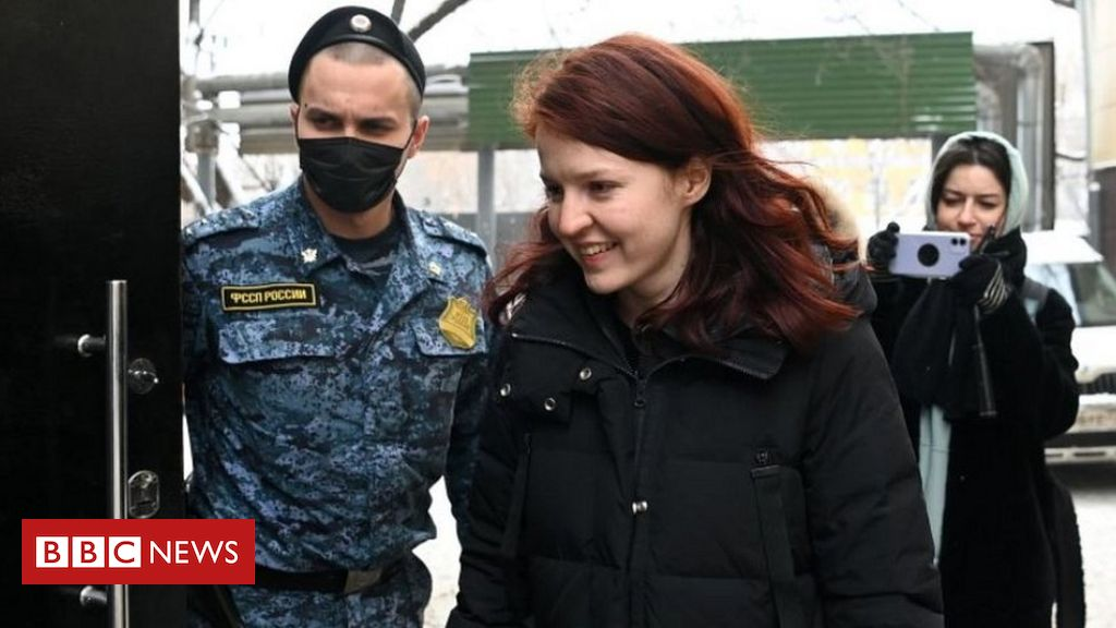 russia-detains-navalny-aides-as-protests-go-viral
