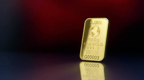 we're-in-a-perfect-storm-for-gold-prices-edging-higher,-financial-editor-tells-boom-bust