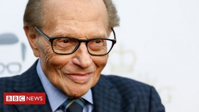 Photo of Larry King: Veteran US talk show host dies aged 87