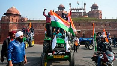 Photo of Tractor rally: Farmers clash with police at Delhi's iconic Red Fort