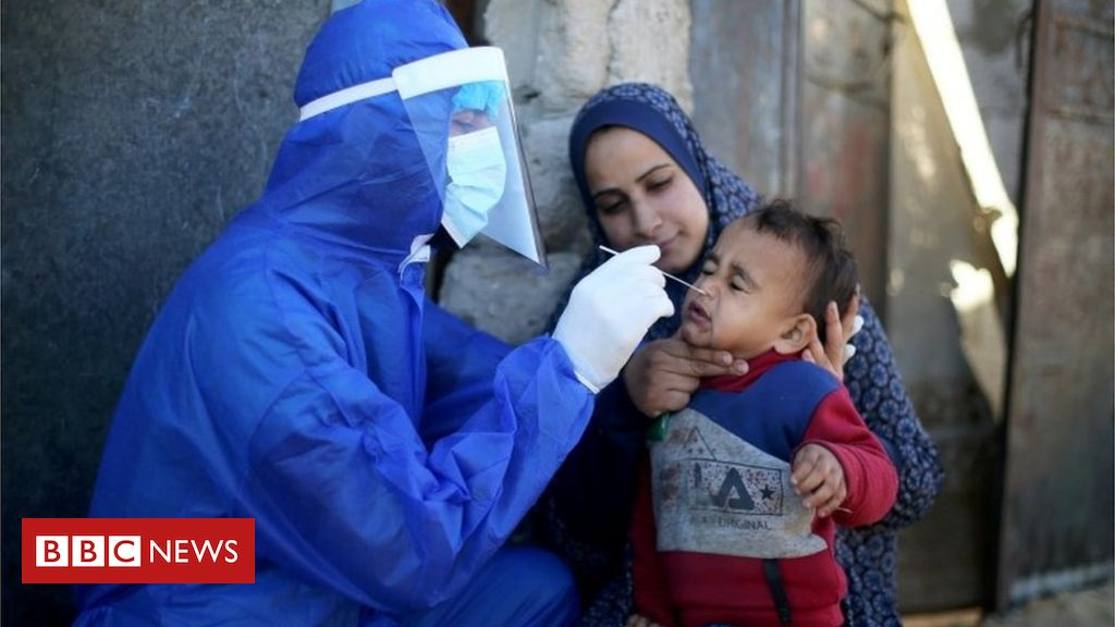 covid:-israel-to-transfer-5,000-vaccine-doses-to-palestinians