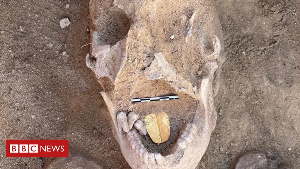 ancient-mummies-with-golden-tongues-unearthed-in-egypt