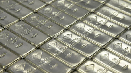 silver-spike-could-mean-bubbles-in-metals-&-other-commodities,-warns-commerzbank