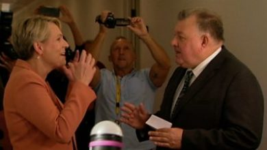 Photo of Covid: Australian MPs clash in hallway over misinformation