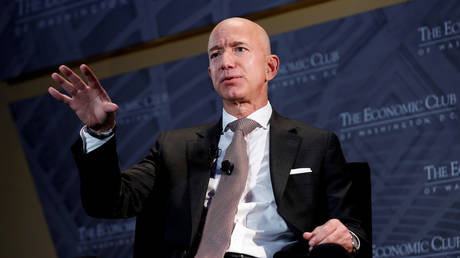 jeff-bezos-says-he'll-leave-role-as-amazon-ceo-this-summer-to-head-up-company-board
