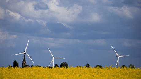fossil-fuels-aren't-going-anywhere