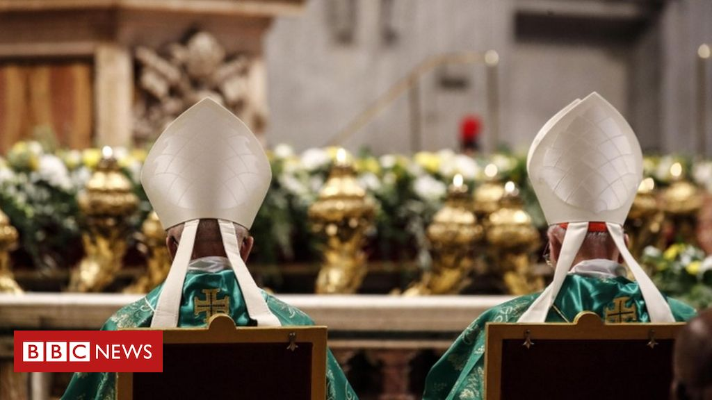 pope-francis-appoints-first-woman-to-the-synod-of-bishops