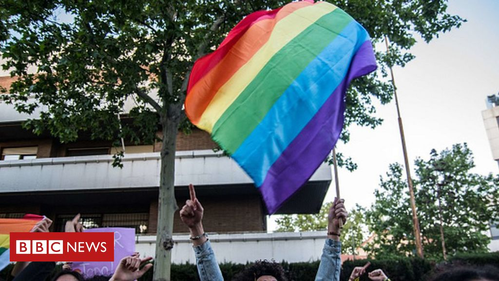chechnya:-escaped-gay-men-sent-back-by-russian-police