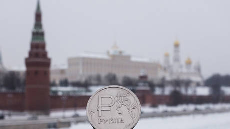 morgan-stanley-shrugs-off-anti-russian-sanctions-risks-&-bets-on-stronger-ruble