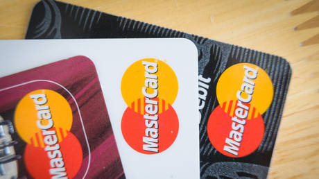 crypto-going-mainstream:-mastercard-to-allow-payments-in-cryptocurrencies