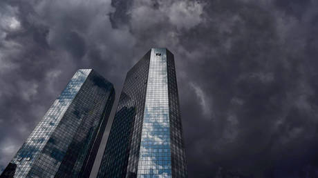 deutsche-bank-quietly-moves-to-bring-crypto-into-play-after-producing-numerous-reports-bashing-its-bubble-nature