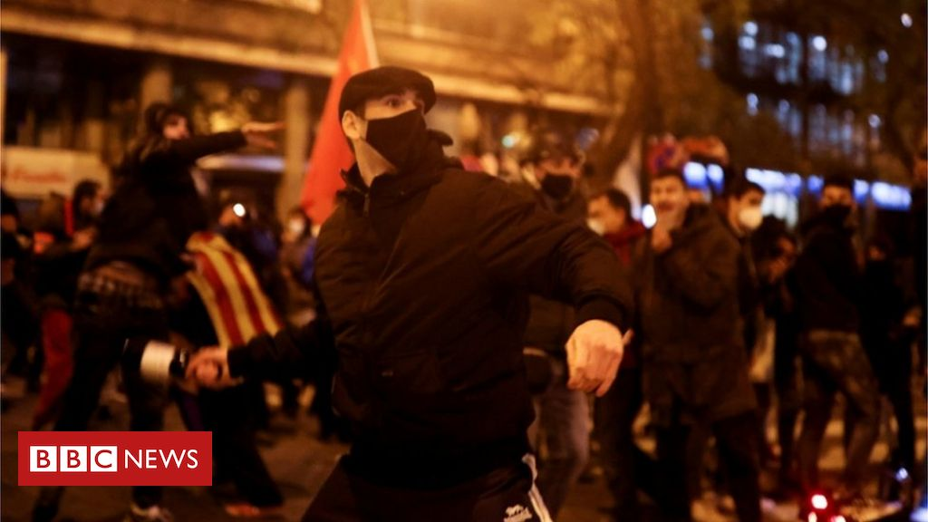pablo-hasel-protests:-thousands-demand-rapper's-release-in-spain