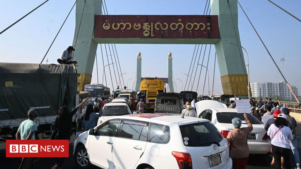 myanmar-coup:-roads-blocked-in-yangon-as-thousands-protest