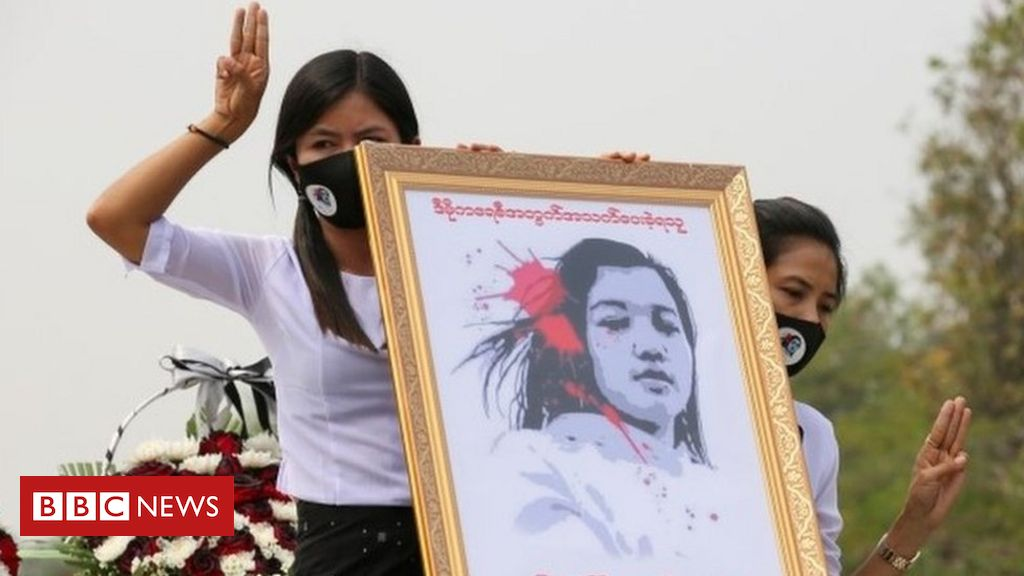 myanmar-coup:-huge-crowds-mourn-woman-killed-in-protests
