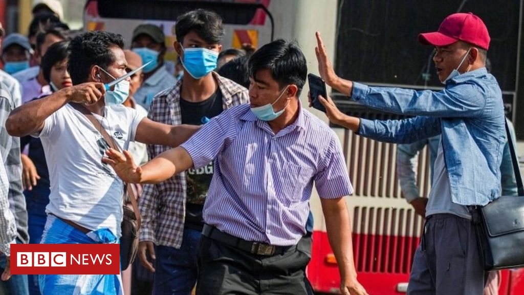 myanmar-coup:-violence-flares-as-rival-protesters-clash-in-yangon
