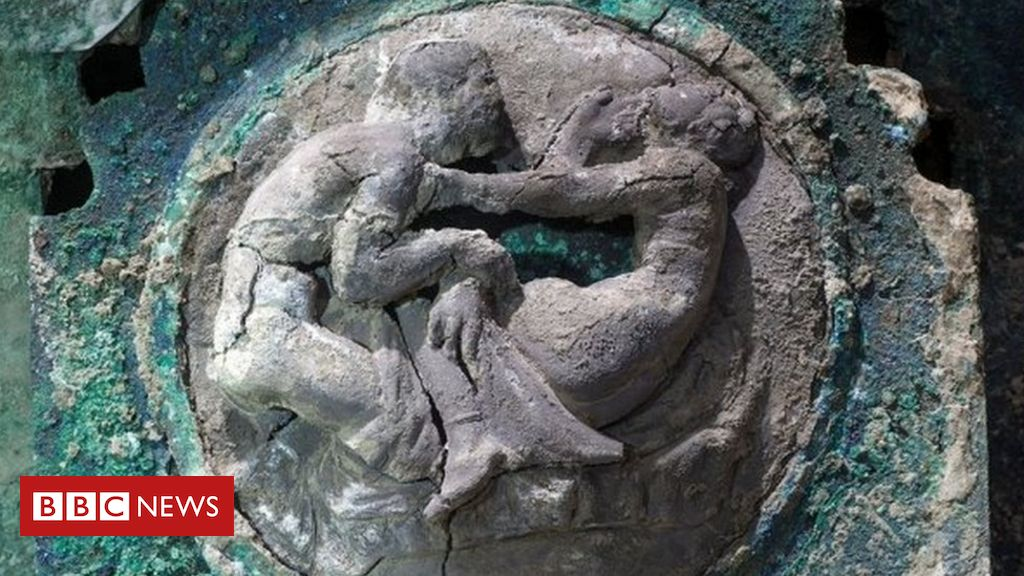 pompeii:-archaeologists-unveil-ceremonial-chariot-discovery