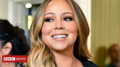 Photo of Mariah Carey's brother sues over emotional distress caused by her memoir