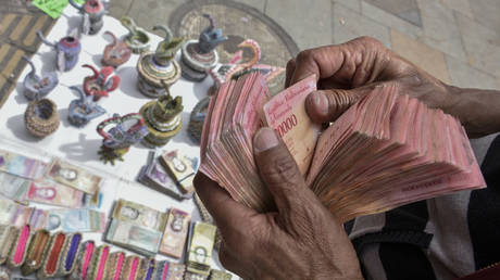venezuela-to-issue-1-million-bolivar-bill,-but-it's-worth-only-50-cents-amid-raging-hyperinflation