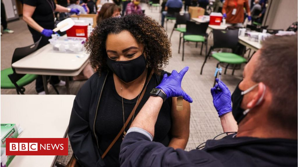 new-us-guidance-says-fully-vaccinated-people-can-meet-without-masks