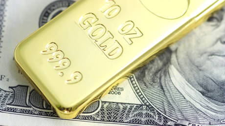 with-inflation-soaring,-bottom-will-fall-out-of-us-dollar-&-gold-will-go-through-the-roof,-peter-schiff-tells-boom-bust