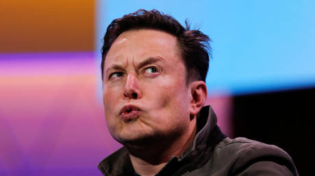 online-poll-shows-nearly-40%-make-personal-investments-based-on-elon-musk's-tweets,-7%-think-he's-a-'jerk'