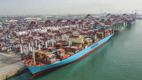 china's-foreign-trade-reviving-global-recovery,-experts-say