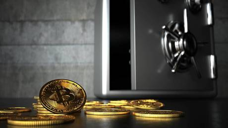 hedging-against-us-dollar-decline:-bitcoin-rises-after-fed-signals-loose-monetary-policy