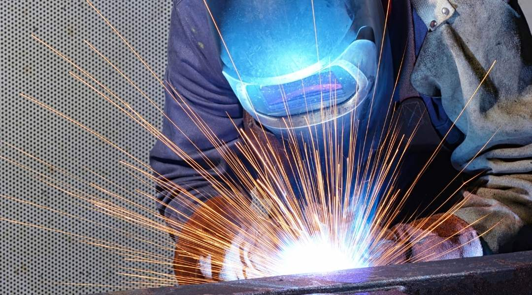 how-to-choose-the-right-welding-helmet-for-your-needs