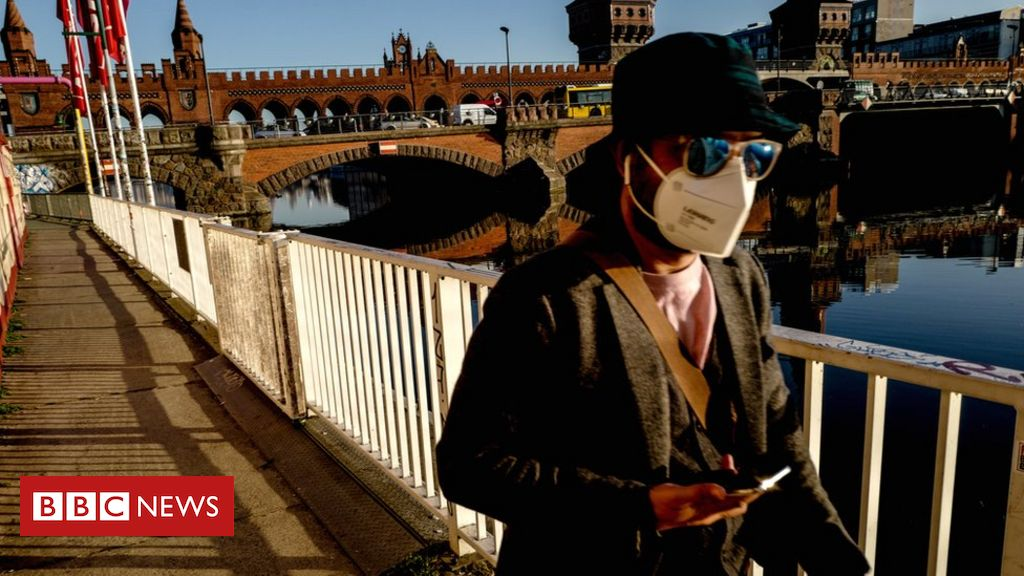 covid:-germany-warns-of-'exponential'-rise-in-coronavirus-cases