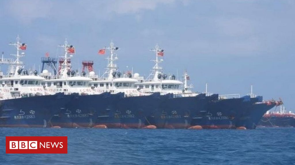 south-china-sea-dispute:-huge-chinese-'fishing-fleet'-alarms-philippines