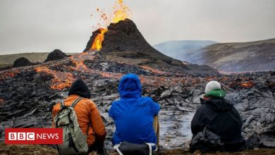 Photo of Iceland volcano eruption: Onlookers flock to see Mount Fagradalsfjall