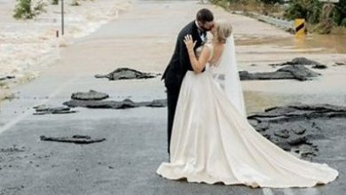 Photo of Australia floods: Stranded bride airlifted to wedding
