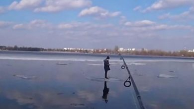 Photo of Nice catch: Fisherman rescues boy stranded on ice
