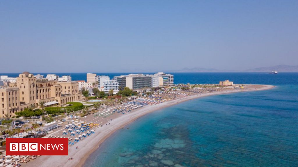 covid-19:-dutch-sign-up-for-test-holiday-on-greek-island