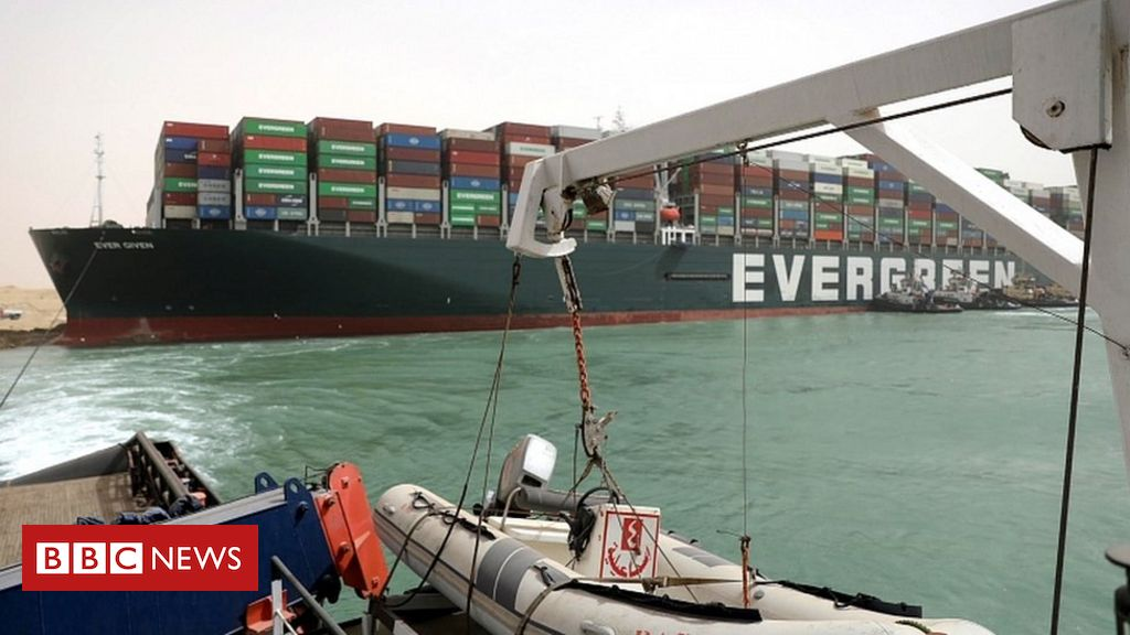 suez-canal:-fresh-effort-to-refloat-wedged-container-ship