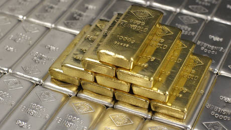 'parabolic-rise'-coming:-gold-&-silver-will-take-off-again,-former-financial-analyst-tells-keiser-report