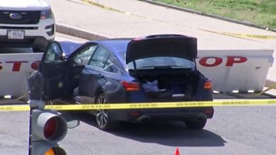 Photo of US Capitol: Suspect and officer dead after 'ramming car' into police