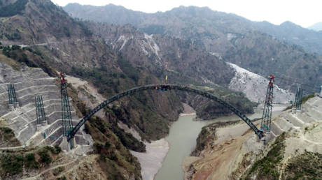 one-step-closer:-india-could-complete-construction-of-world's-highest-railway-bridge-by-end-of-year