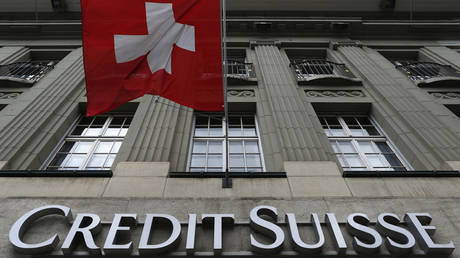 credit-suisse-ousts-top-execs,-slashes-bonuses-amid-heavy-losses-from-us-hedge-fund-meltdown