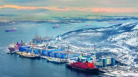 russia-building-most-powerful-icebreaker-fleet,-aims-for-year-round-sailing-on-its-arctic-sea-route-–-putin