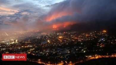Photo of Cape Town fire: Residents evacuated on city's outskirts