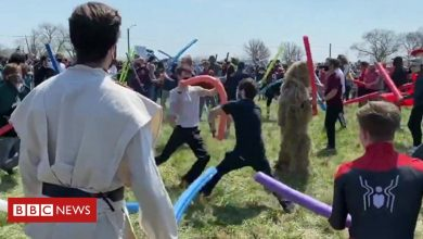 Photo of Josh fight: Hundreds join friendly battle for naming rights