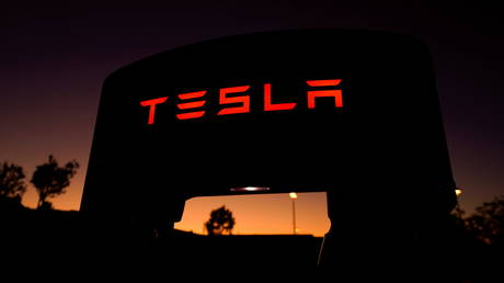 tesla-reportedly-working-with-chinese-regulators-as-car-company-faces-scrutiny-over-safety-issues