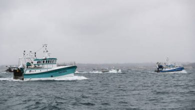 Photo of France threatens retaliation towards UK's financial services as fishing row escalates